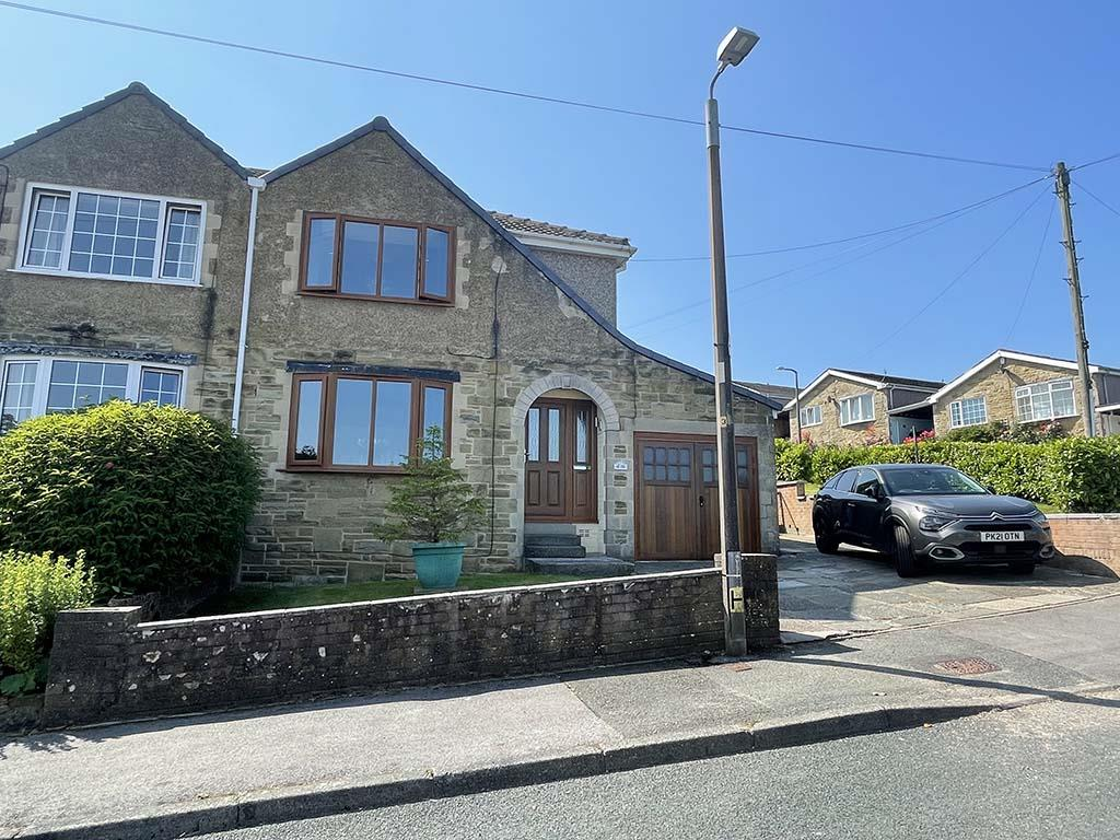 3 bedroom semi-detached house For Sale in Barnoldswick - Property photograph